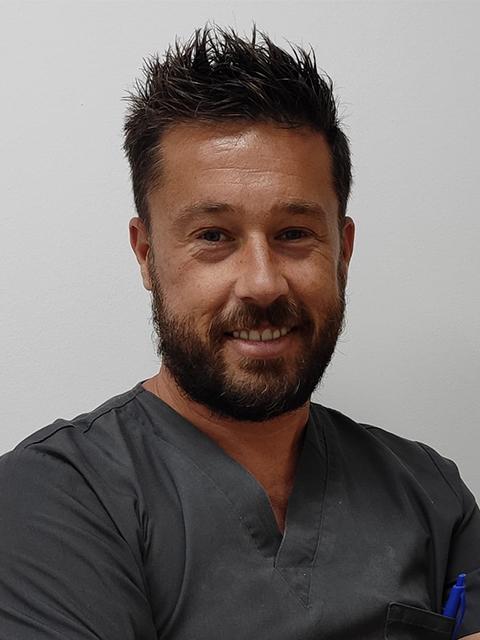 David Barroso Llorden - Clínica Dental María Gómez Palacios - Cartaya (Huelva)